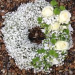 #### gypsophila and rose wreath small 12